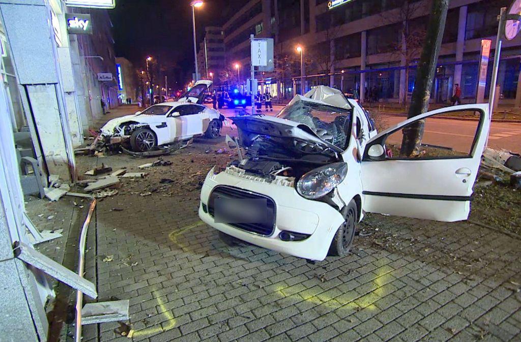 In dem Kleinwagen starben zwei Menschen bei dem Unfall im März. Foto: 7aktuell/Simon Adomat