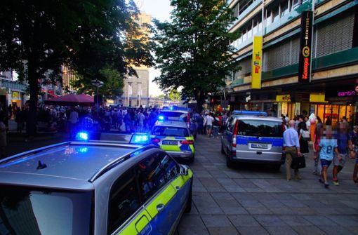 Personenkontrolle auf der Königstraße eskaliert