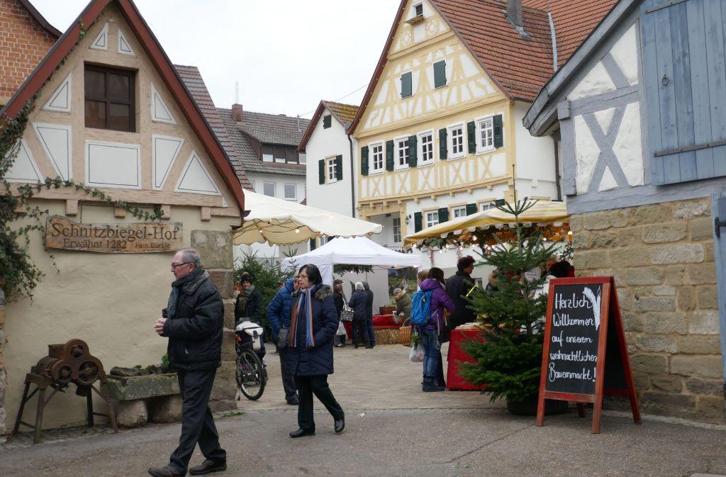 Bauernmarkt im Schnitzbiegel. Foto: Patricia Sigerist