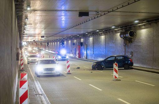 Tunnel-Unfall bremst Autofahrer aus