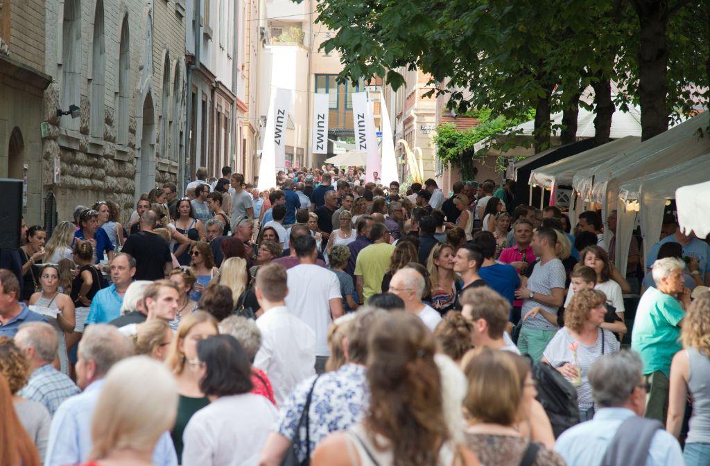 Dicht an dicht hat sich das Publikum beim Bohnenviertelfest am Samstag gedrängt. Foto: Lichtgut - Oliver Willikonsky