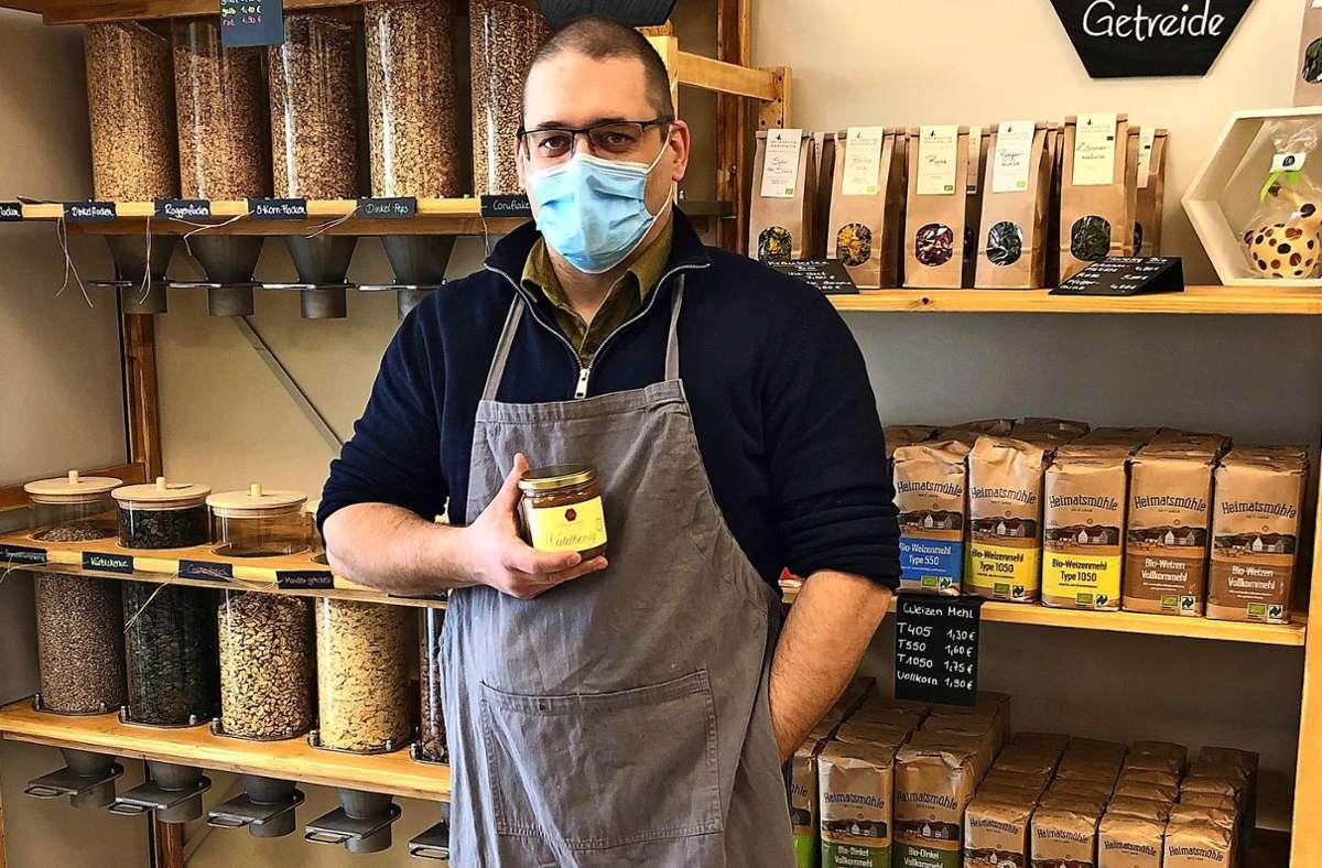 Im neuen Regionalladen von Tobias Pabel gibt es auch unverpacktes Müsli. Foto: Fritzsche