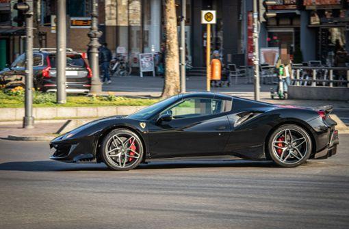 Ferrari-Fahrer liefert sich Verfolgungsjagd mit Polizei