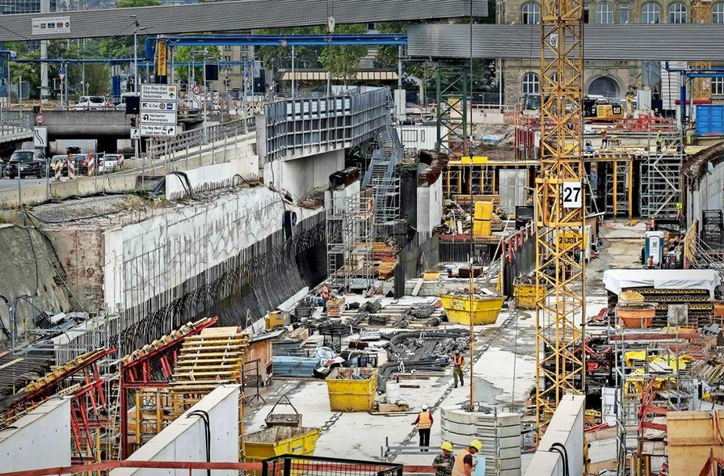 Das Baustellengeschehen an der neuen Haltestelle Staatsgalerie  erfordert eine komplexe Logistik. Foto: Lichtgut/Max Kovalenko
