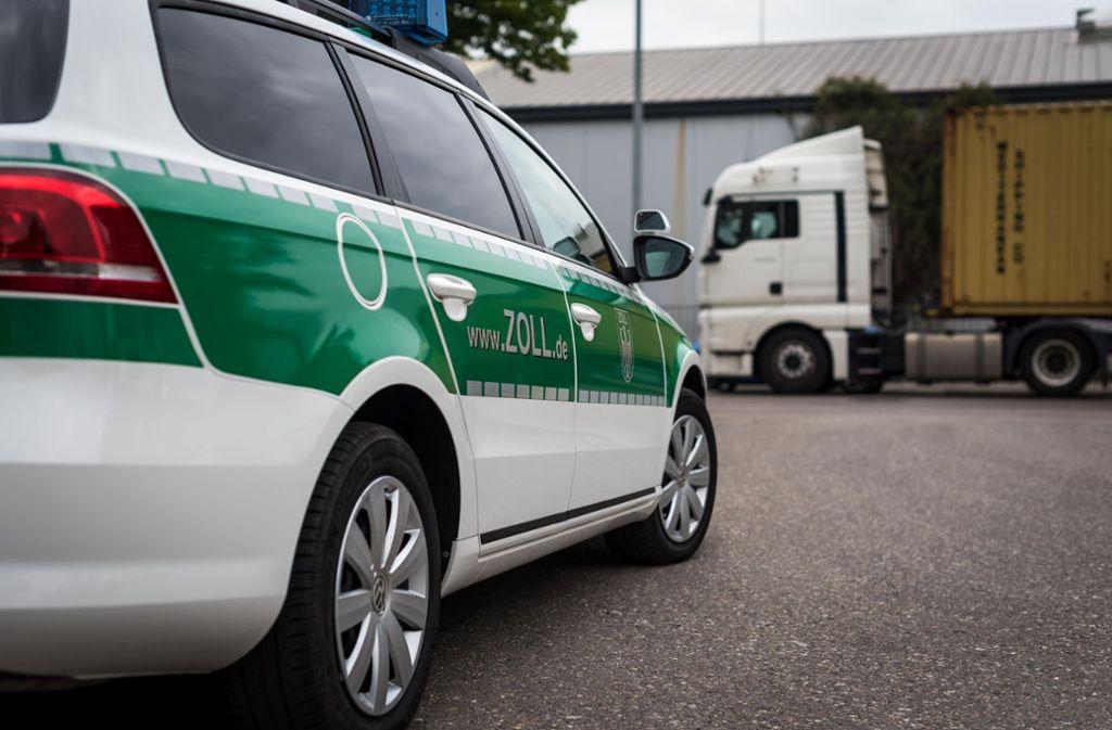 48 gefälschte Polo-Shirts wurden in Heilbronn sichergestellt (Symbolbild). Foto: Lichtgut/Max Kovalenko