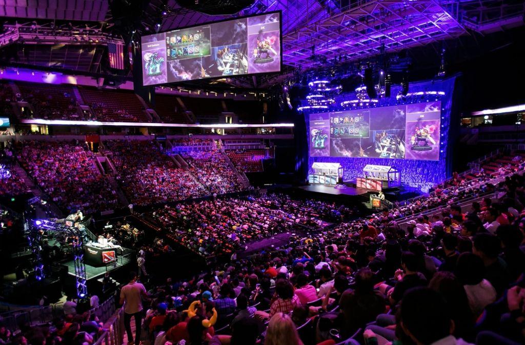 E-Sport lockt zehntausende Zuschauer in die Hallen Foto: Getty