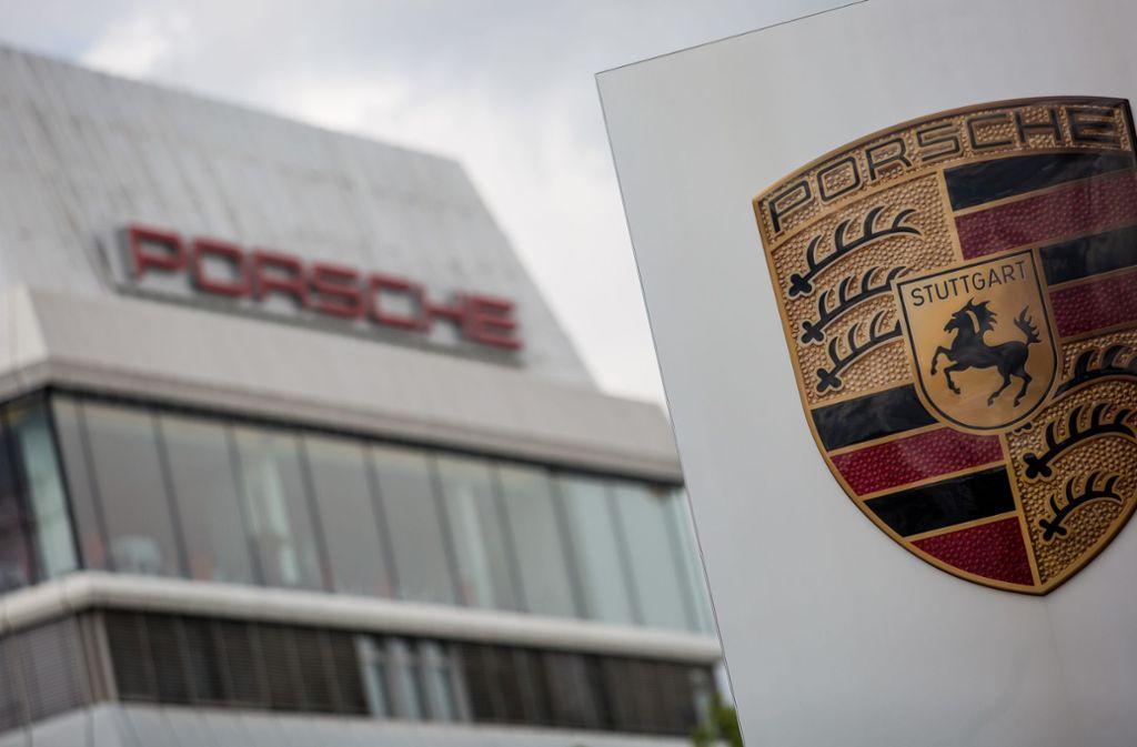 Bei Porsche zogen vor allem die Geschäfte im größten Einzelmarkt China  im zweiten Quartal wieder deutlich an Foto: Christoph Schmidt/dpa