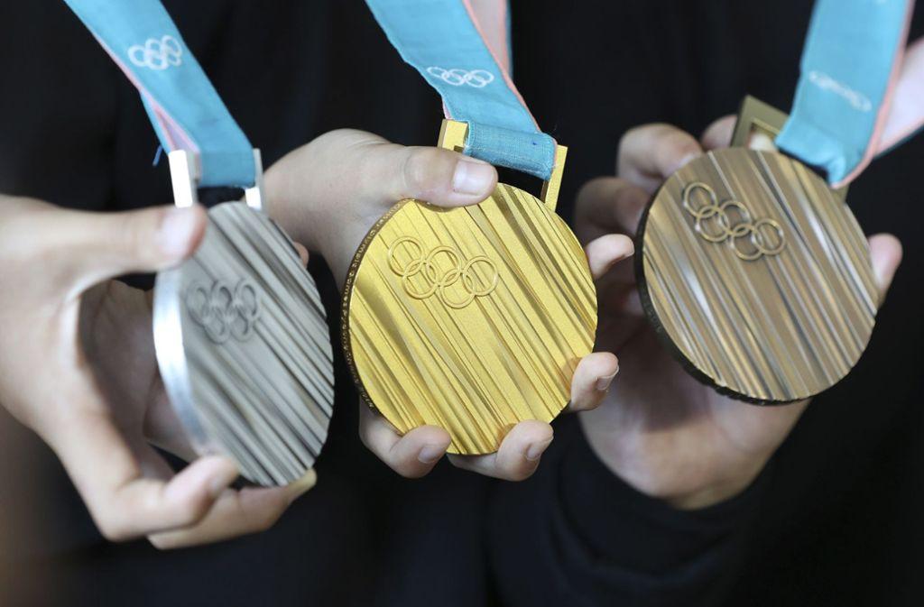 Diese Medaillen gibt es bei den diesjährigen Olympischen Spielen zu gewinnen. Foto: AP/Keystone