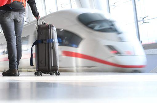 Wer haftet, wenn der Zug zum Flug zu spät ist?