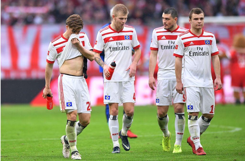 Der HSV verstärkte sein Aufgebot an Ordnern am Volksparkstadion. Foto: Bongarts