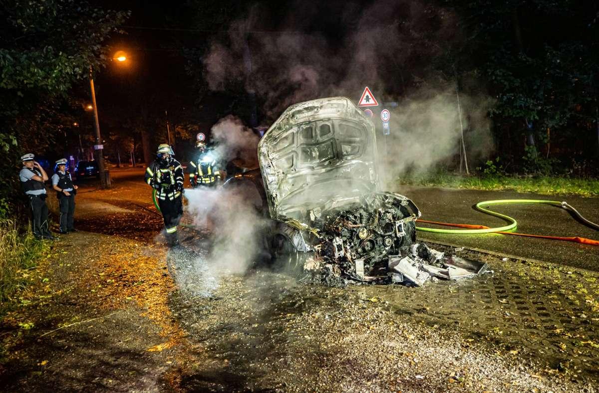 Der Audi S5 brannte komplett aus. Foto: 7aktuell.de/Alexander Hald