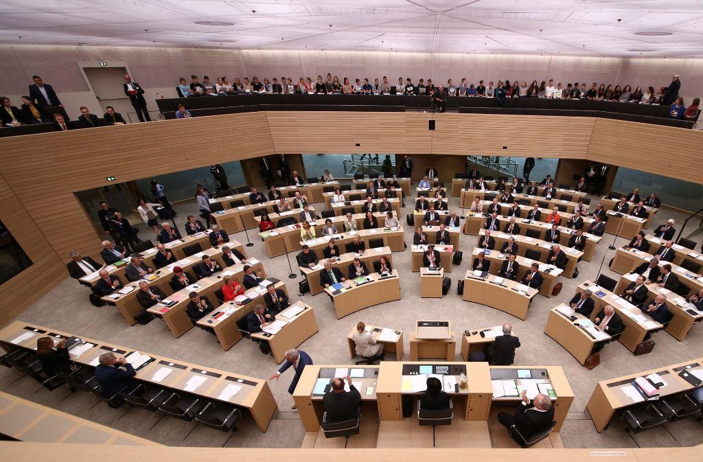 Die Abgeordneten des baden-württembergischen Landtags können wieder eine Staatspension erwarten. Foto: dpa