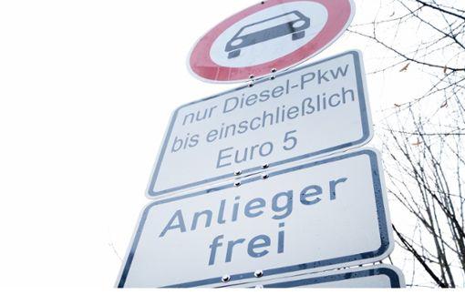 Dieselfahrverbot: Stadt ordert noch keine Schilder