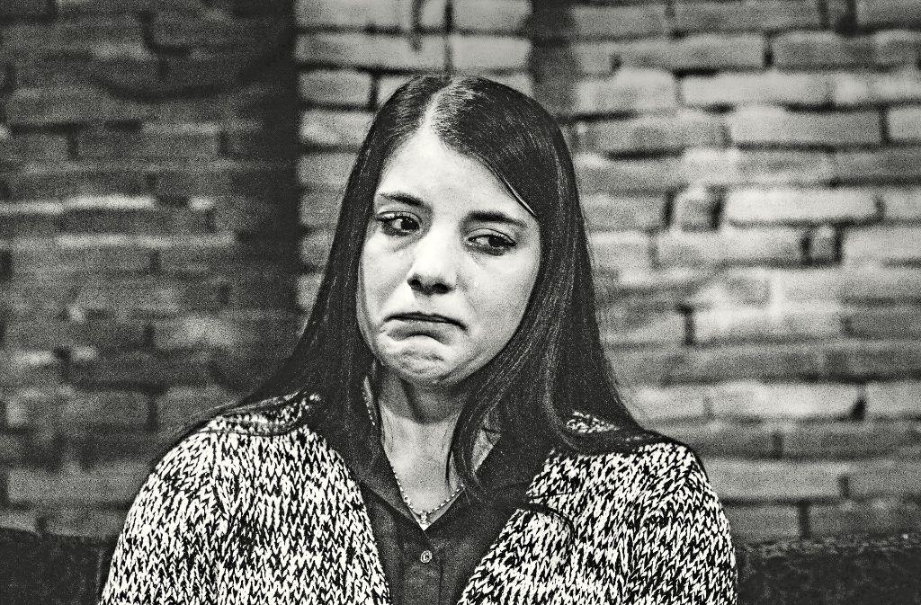 """Sabrina denkt an  Christian.  """"Das Bild zeigt die Hilflosigkeit, auch für mich war das eine harte Nummer"""", sagt der Fotograf Andreas Reiner. Foto: Reiner"""