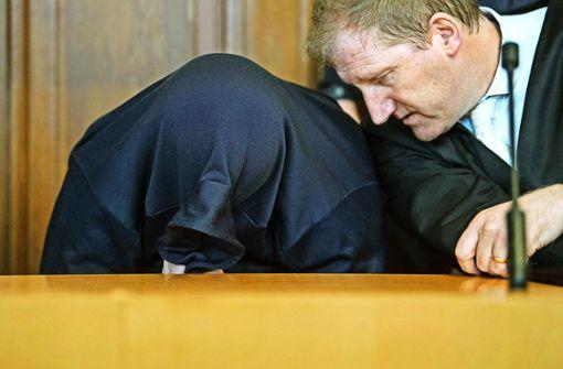Staatsanwaltschaft fordert Lebenslang für mutmaßlichen Dreifachmörder