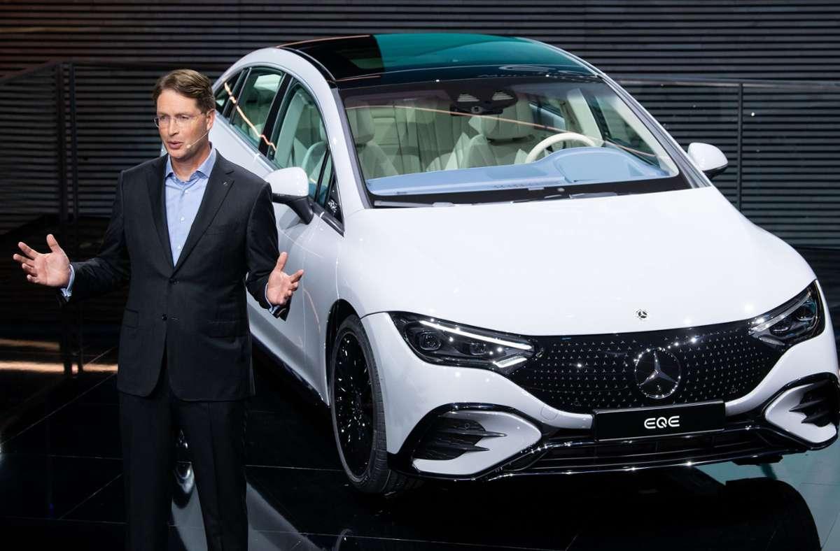 Mit dem  neuen EQE will Ola Källenius  den technologischen Vorsprung von Tesla zunichte machen. Foto: dpa/Sven Hoppe
