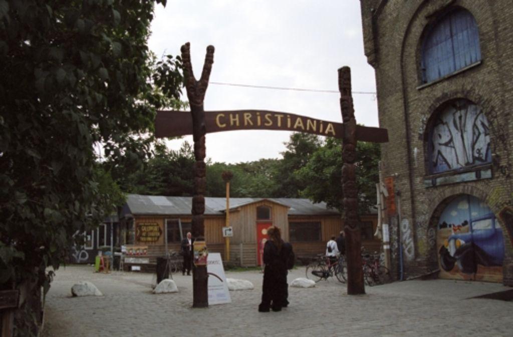 Der Freistaat Christiania in Kopenhagen: sogenannte Bullen sind dort nicht sehr willkommen. Und wenn dann noch das Gerücht umgeht, die Beamten könnten etwas mit dem Mord an einem vermeintlichen Autonomen zu tun haben, brennt die Luft. Foto: Bruno Jargot