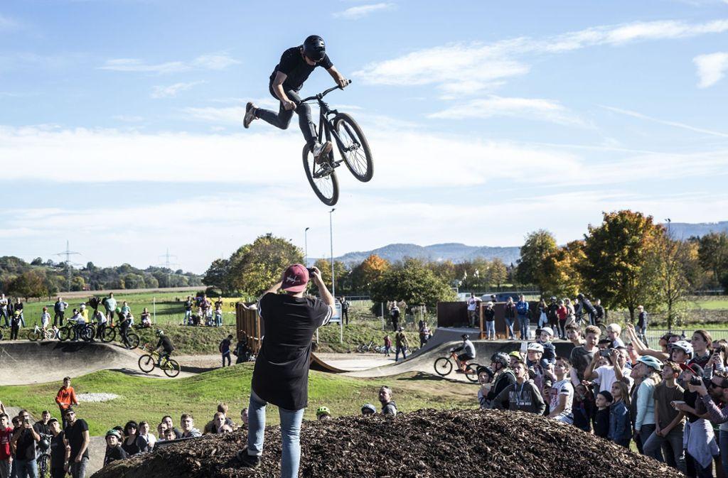 Der Andrang zur Eröffnung des Bikeparks war riesig.  Foto: Horst Rudel