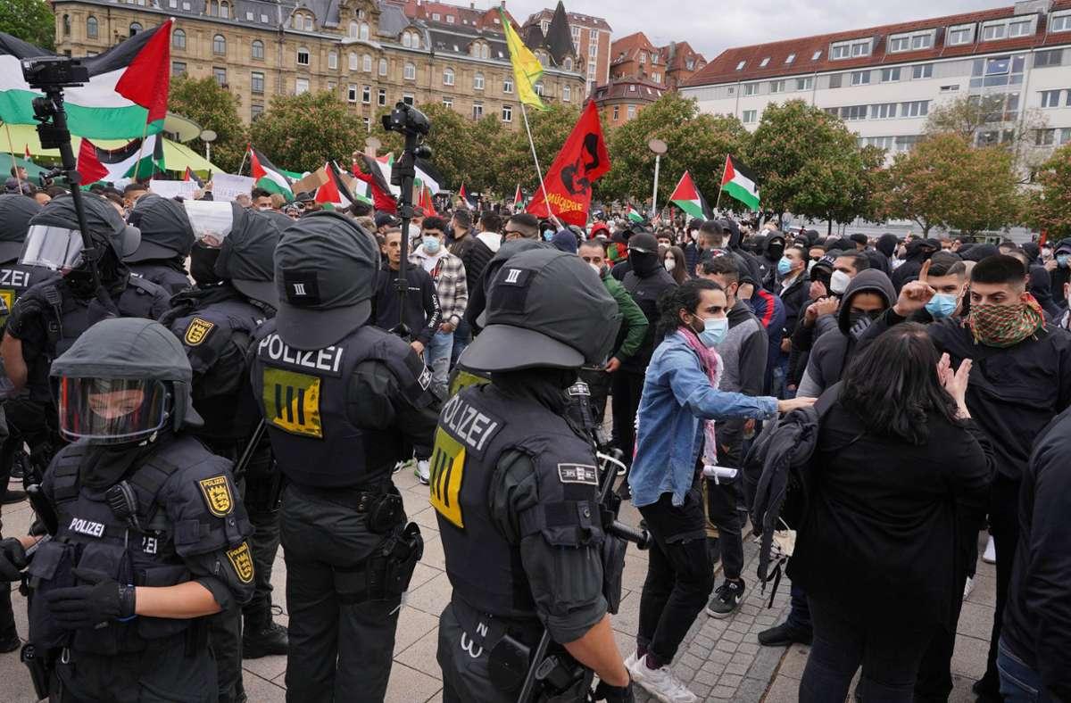 Auch in Stuttgart gab es am Samstag Proteste. Foto: Andreas Rosar Fotoagentur-Stuttgart