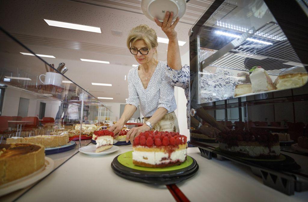 Garantiert alles selbst gebacken: die Wahlkuchen in Burgstall Foto: Gottfried Stoppel