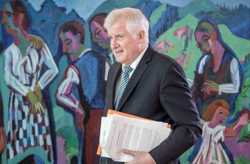 Seehofer gibt Erklärung zu Maaßens neuen Aufgaben ab