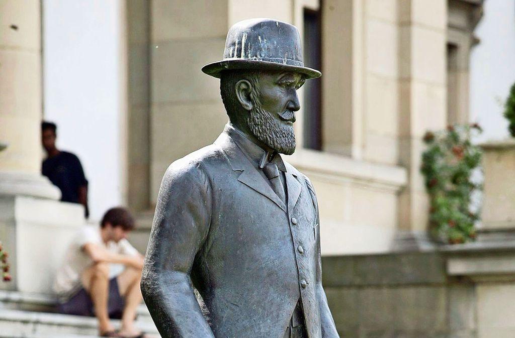 Die Statue von König Wilhelm II stand früher vor dem   Stadtpalais. Foto: /Michael Steinert