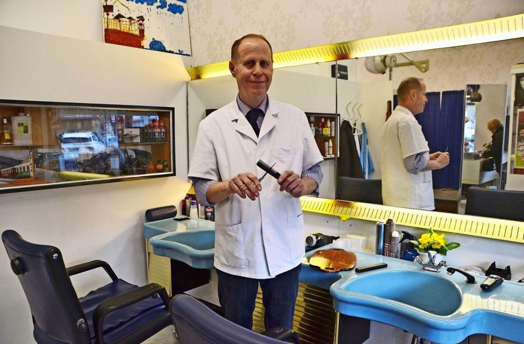 41 Jahre lang hat sich Heinz Härle um die Köpfe seiner Kunden gekümmert. Foto: Fatma Tetik