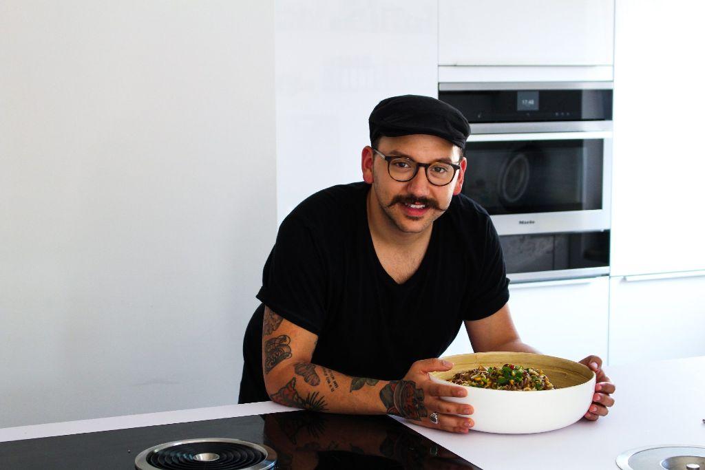 Als Koch und Foodblogger geht Timucin Kul seiner großen Leidenschaft nach.  Foto: Alla Lukashova