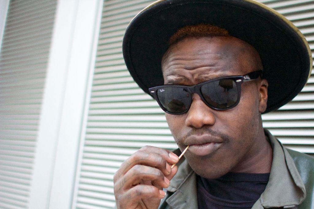 Norman Munyendo ist ein cooler Typ, sein Look ausgefallen, der Zahnstocher sein Markenzeichen. Foto: Tanja Simoncev