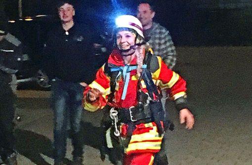 Diese Frau will 300 Kilometer rennen – in Feuerwehrmontur