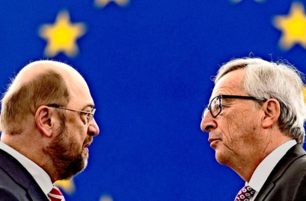 Der  deutsche EU-Parlamentschef Martin Schulz (links) begrüßt  das Investitionsprogramm, das EU-Kommissionschef Jean-Claude Juncker vorgelegt hat. Foto: dpa