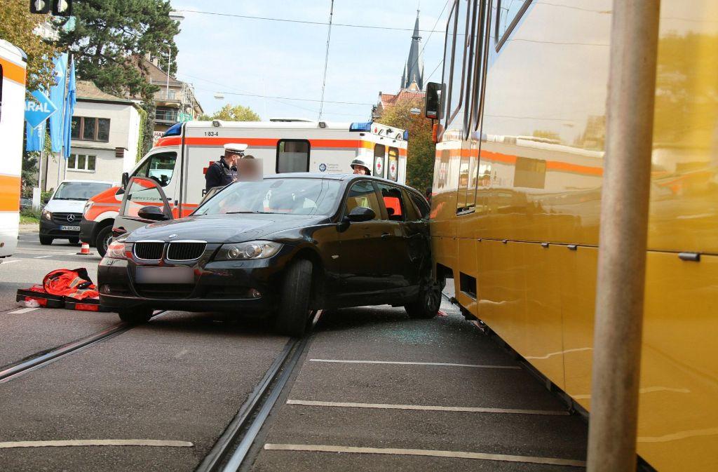Am Freitag ist es in Stuttgart-Bad Cannstatt zu einem Unfall mit einer Stadtbahn gekommen. Foto: 7aktuell.de/Jens Pusch