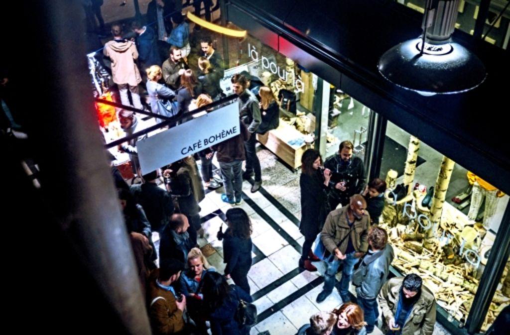 Das Fluxus ist nicht nur während der Ladenöffnungszeiten belebt – dank der Bars und Cafés am Abend. Foto: