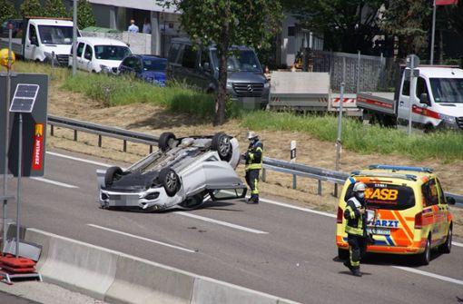 Ein Schwerverletzter bei Unfall auf der B10 – Sperrung aufgehoben