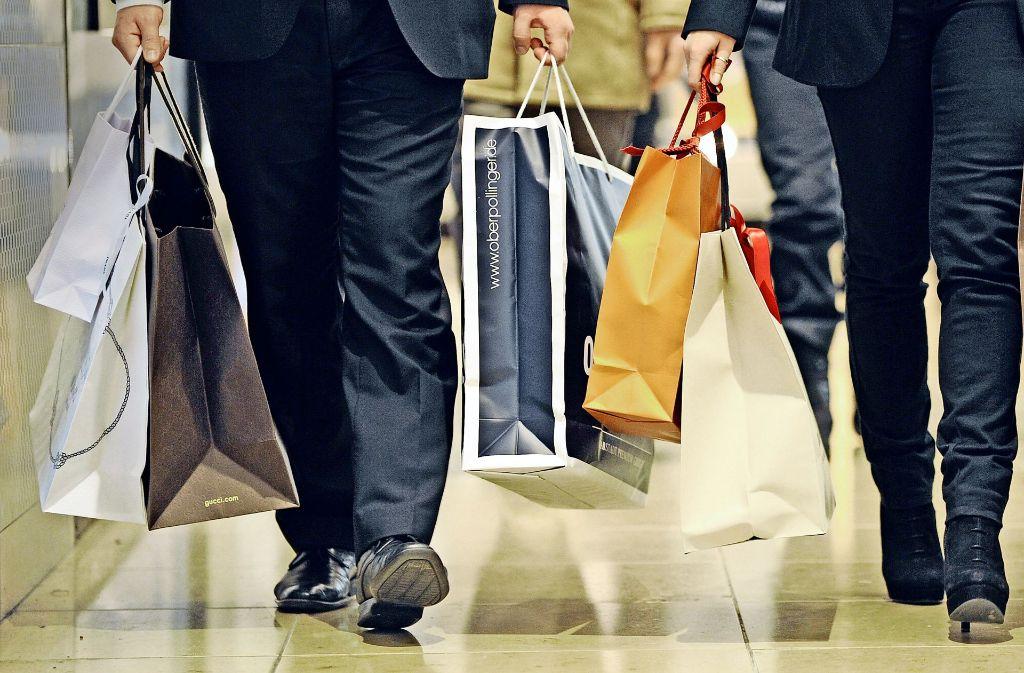Für einen rechtmäßigen Einkaufssonntag muss der Gemeinderat eine Satzung beschließen, die auch eine Prognose der zu erwartenden Besucherströme enthält. Foto: dpa