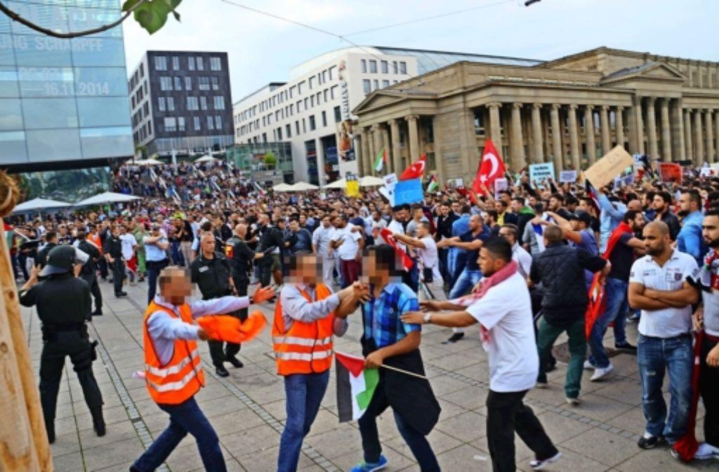 Am 12. Juli kam es in Stuttgart während einer Free-Palästina-Demo zu Zusammenstößen. Foto: Sven Friebe