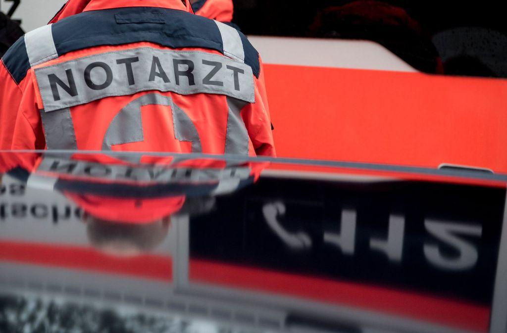 Bei einem Lkw-Unfall bei Offenburg wurde der Fahrer schwer verletzt. (Symbolbild) Foto: dpa
