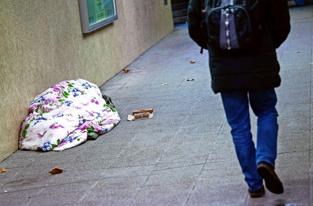 Bislang reichen die Notschlafplätze im Kreis aus – Sozialeinrichtungen warnen, das könnte sich bald ändern.. Foto: dpa/Sebastian Gollnow