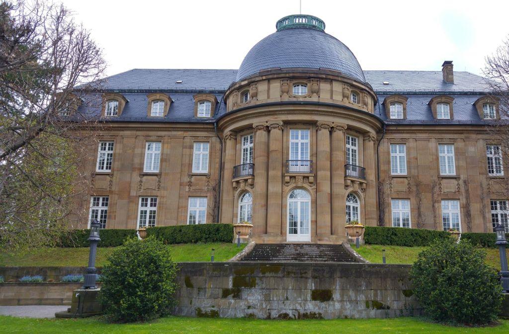 Am Samstag kann wieder durch den Park der Villa Reitzenstein flaniert werden. Foto: Jürgen Brand