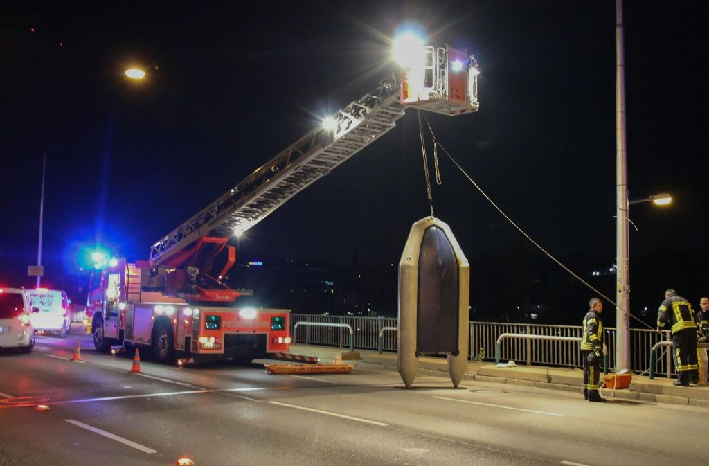 Der Fundort der Leiche bei der Gaisburger Brücke. Foto: 7aktuell.de/Jens Pusch