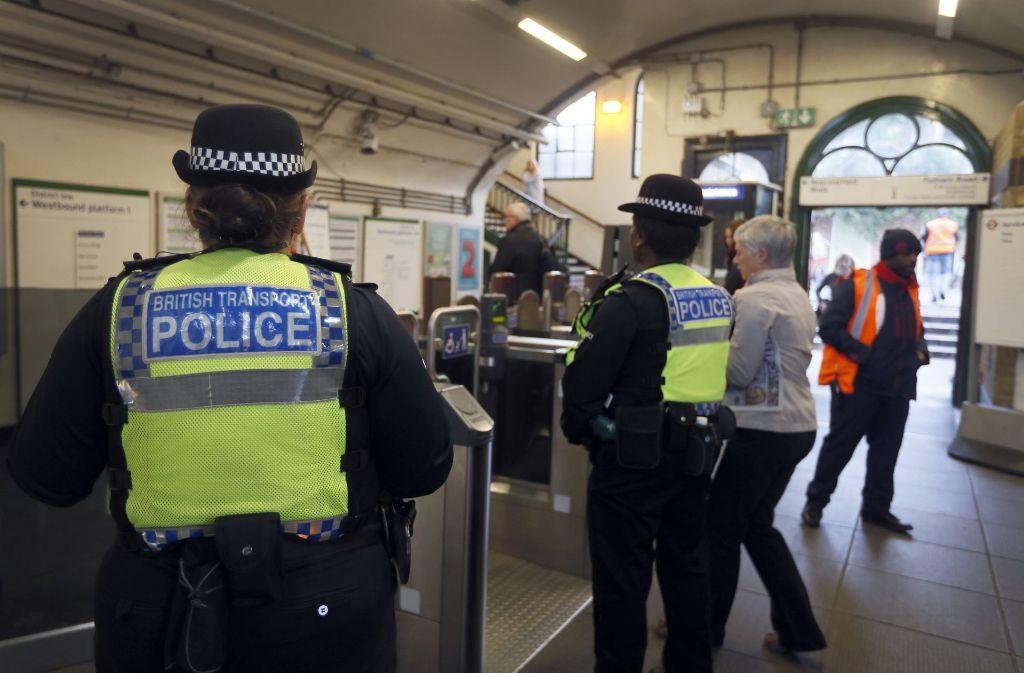 Bei einem U-Bahn-Anschlag in London sind 30 Menschen verletzt worden. Foto: AP