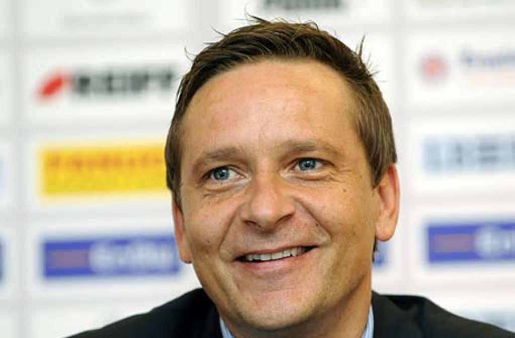 Horst Heldt hat nun die Aufgabe, einen neuen Trainer für den FC Schalke 04 zu finden. Foto: dpa