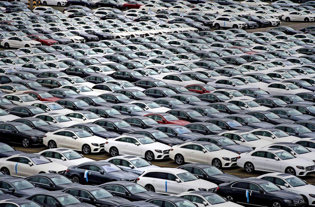 Daimler hat Neuwagen nach dem   neuen Abgasstandard WLTP vorproduziert, die  noch nicht verkauft werden  durften, weil die Zertifizierung fehlte. Foto: dpa