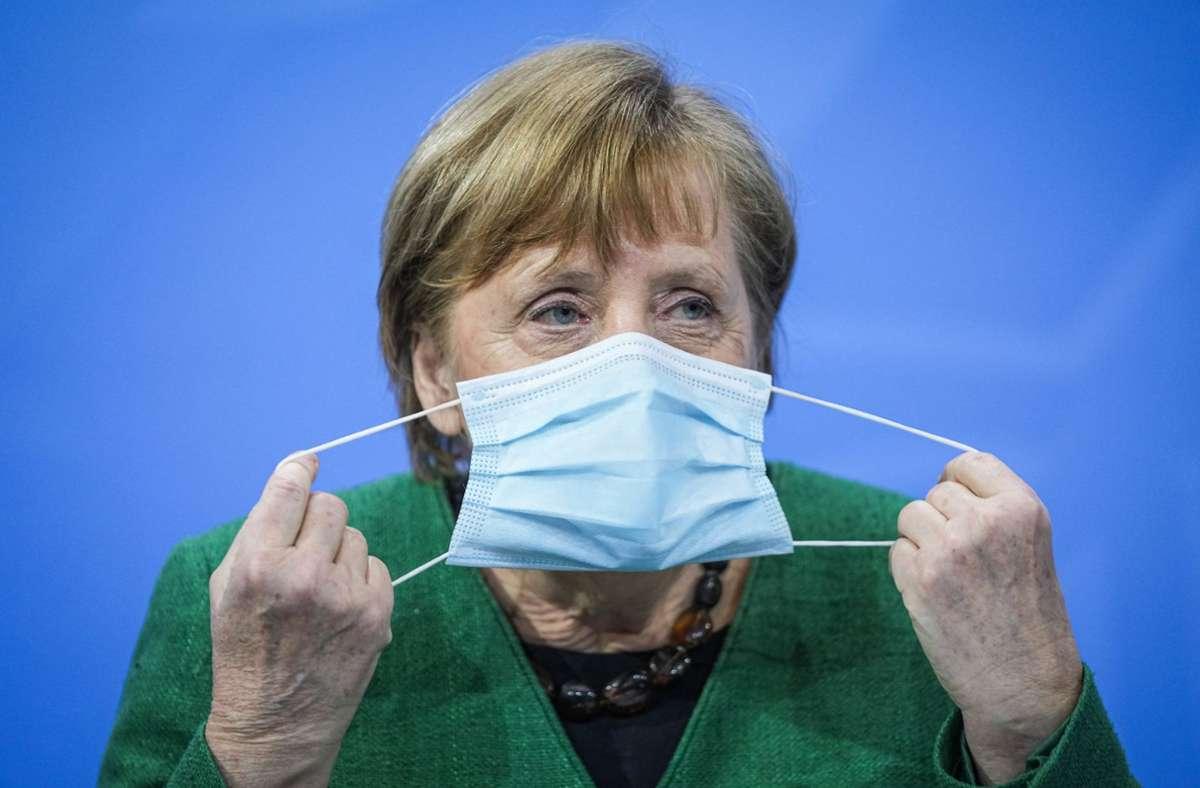 Ernste Lage, langer Streit – die Pressekonferenz von Kanzlerin Angela Merkel nach den Beratungen mit den  Regierungschefs der Länder hat erst am frühen Dienstagmorgen stattgefunden. Foto: dpa/Michael Kappeler
