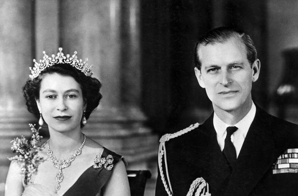 Prinz Philip Ist Auch Im Hohen Alter Immer An Der Seite Seiner Frau Queen Elizabeth Ii Stuttgarter Zeitung