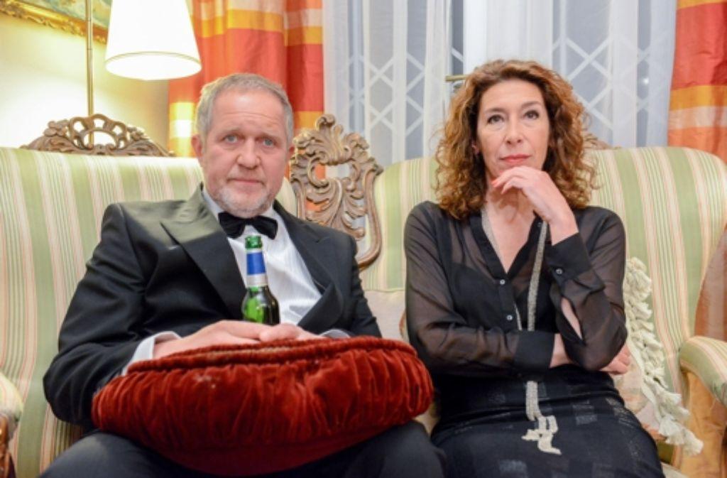 Moritz Eisner (Harald Krassnitzer) und Bibi Fellner (Adele Neuhauser) gehen dem Tod einer jungen Frau auf den Grund, die mit Flusssäure in Berührung gekommen ist. Foto: ORF