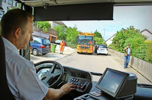 Mit dem Bus durchs Nadelöhr