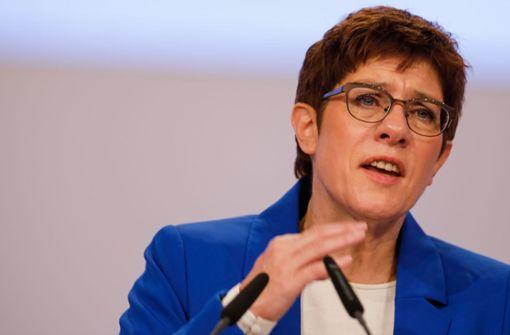 Kramp-Karrenbauer kritisiert Stuttgarter CDU-Fraktionschef