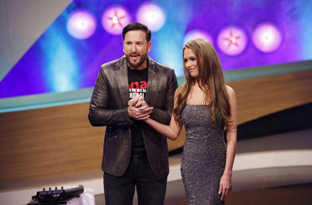 """Michael Wendler und Freudin Laura in der RTL-Show """"Pocher vs. Wendler"""". Foto: imago images/Future Image/Christoph Hardt via www.imago-images.de"""