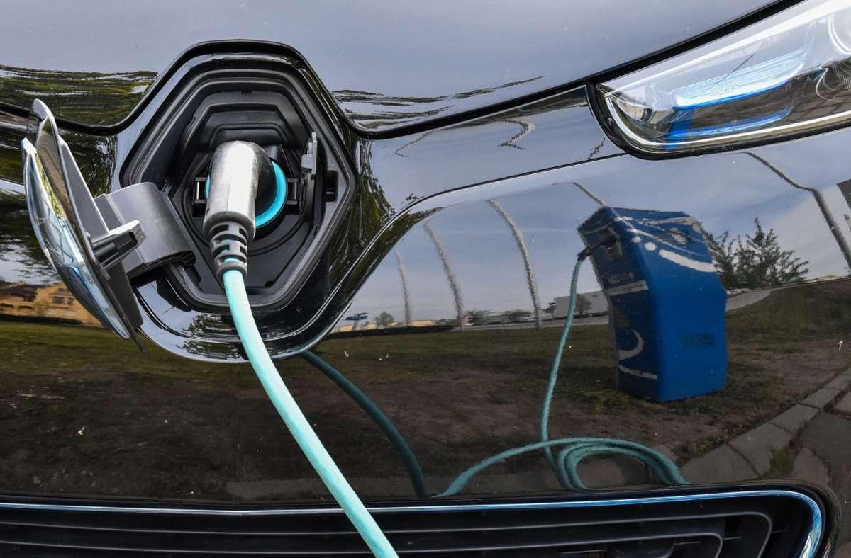 Wer ein Elektroauto mieten möchte, trifft in Stuttgart dank neuer Anbieter künftig auf mehr Auswahl. Die Mietkonzepte sind dabei unterschiedlich. Foto: dpa/Patrick Pleul